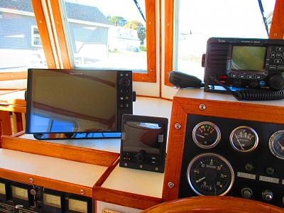 Click image for larger version  Name:Pilothouse electronics 2019.jpg Views:24 Size:127.4 KB ID:102538