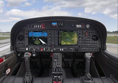 Click image for larger version  Name:DA-42 cockpit.jpg Views:186 Size:124.1 KB ID:102808