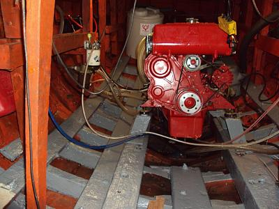 Click image for larger version  Name:engine room.jpg Views:228 Size:181.2 KB ID:1041