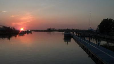 Click image for larger version  Name:sunset ti.jpg Views:119 Size:30.0 KB ID:10802