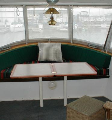 Click image for larger version  Name:Weebles Aft Deck.jpg Views:66 Size:116.1 KB ID:108264