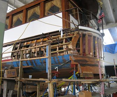 Click image for larger version  Name:Honey Fitz transom removed web.jpg Views:216 Size:58.1 KB ID:11084