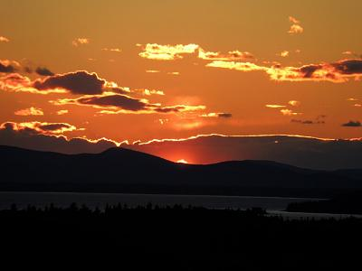 Click image for larger version  Name:Sunset Caterpiilsr Hill.jpg Views:94 Size:34.8 KB ID:13528