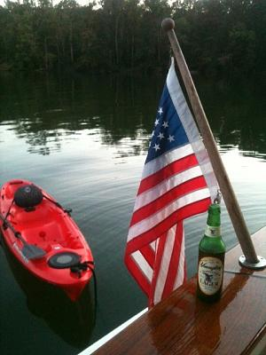 Click image for larger version  Name:kayak.jpg Views:119 Size:107.7 KB ID:13760