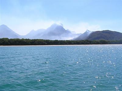 Click image for larger version  Name:zoe bay bushfires.jpg Views:171 Size:61.2 KB ID:1386