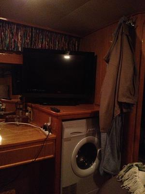 Click image for larger version  Name:Aft cabin- TV and washer.jpg Views:93 Size:102.3 KB ID:14197