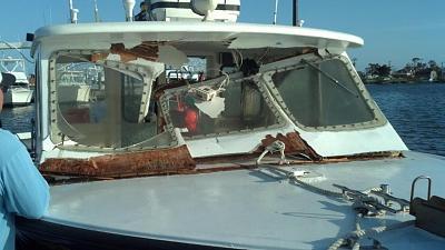 Click image for larger version  Name:Windshield damage Oregon Inlet.jpg Views:129 Size:94.2 KB ID:18657