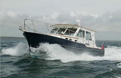 32 Gourmet Cruiser @ Sea.jpg