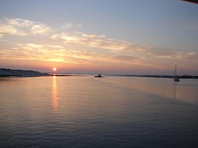 Click image for larger version  Name:Sunrise Ft. McRea.jpg Views:92 Size:134.2 KB ID:20917