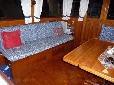 Click image for larger version  Name:Saloon Aft 1.jpg Views:122 Size:160.6 KB ID:21515