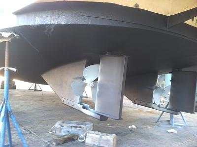 CA skegs props and rudders.jpg