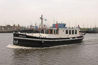 dutch barge dksl-48, ps.jpg