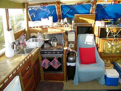 Click image for larger version  Name:Forward interior - Pilot and Galley.jpg Views:127 Size:179.4 KB ID:23870