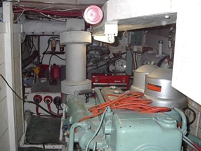 Click image for larger version  Name:engine room.jpg Views:258 Size:170.2 KB ID:24188