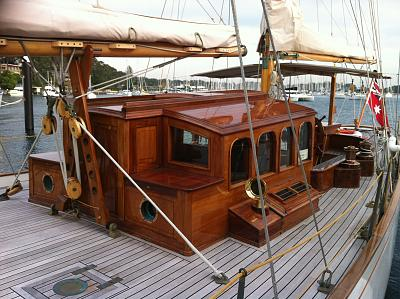 Click image for larger version  Name:wooden boat show 2013 041.jpg Views:120 Size:176.0 KB ID:24280