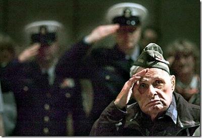 Click image for larger version  Name:joe-satko-83-salutes-american-flag-juneau-ak-thumb.jpg Views:87 Size:39.8 KB ID:24586