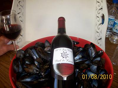 Click image for larger version  Name:wine & mussels.jpg Views:65 Size:85.6 KB ID:24649