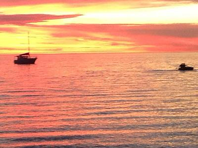 Click image for larger version  Name:rowing into sunset.jpg Views:94 Size:61.1 KB ID:25892