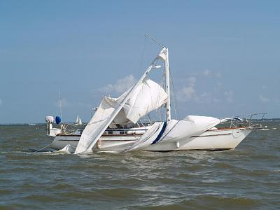 Click image for larger version  Name:bad day sailing.jpg Views:1093 Size:69.7 KB ID:26