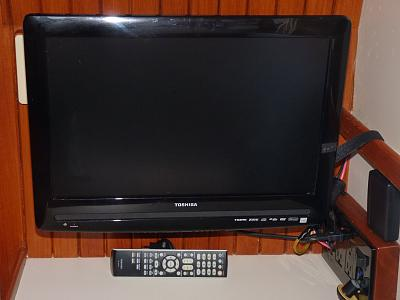 for sale toshiba 19 inch flat screen tv dvd combo sold trawler forum. Black Bedroom Furniture Sets. Home Design Ideas