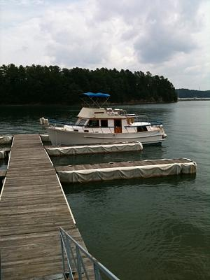 Click image for larger version  Name:service dock pic.jpg Views:245 Size:91.2 KB ID:2985