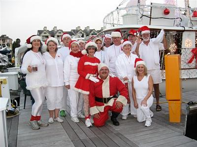 Click image for larger version  Name:2007 boat parade 002.jpg Views:107 Size:82.3 KB ID:3025