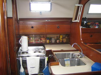 Click image for larger version  Name:06-REGGAE Galley.jpg Views:147 Size:114.6 KB ID:30512