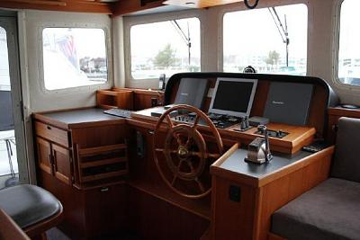 Click image for larger version  Name:Pilothouse.jpg Views:97 Size:39.0 KB ID:31665