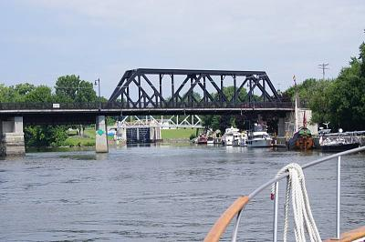 Click image for larger version  Name:erie canal first lock waterford.jpg Views:201 Size:126.2 KB ID:31709