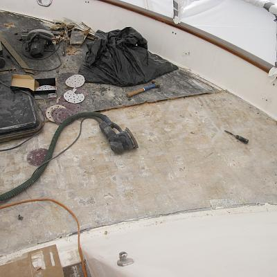 Click image for larger version  Name:Foredeck balsa removed 2.jpg Views:125 Size:155.5 KB ID:32879