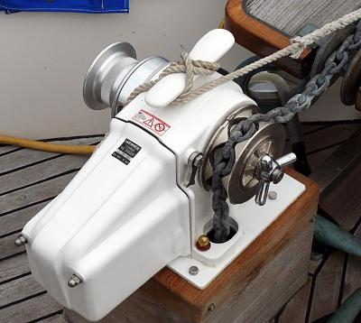 Click image for larger version  Name:windlass.jpg Views:203 Size:110.7 KB ID:3428