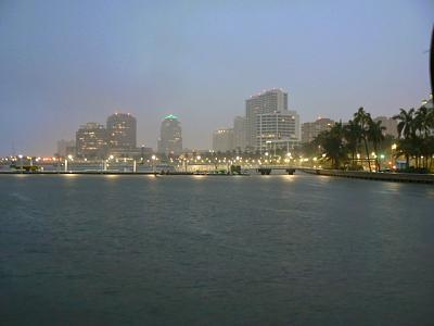 Click image for larger version  Name:WPalm Bch skyline.JPG Views:123 Size:54.5 KB ID:36293