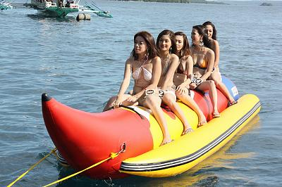 Click image for larger version  Name:girls in tow.jpg Views:104 Size:49.8 KB ID:36399