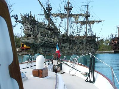 Click image for larger version  Name:FOREDECK A.jpg Views:217 Size:164.9 KB ID:36832