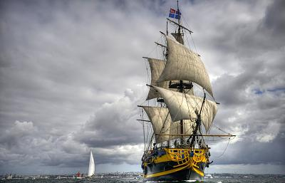Click image for larger version  Name:ship-wallpaper-2.jpg Views:177 Size:87.5 KB ID:37166
