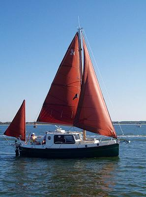 Click image for larger version  Name:800pundersail3.jpg Views:694 Size:65.8 KB ID:38735