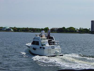 Click image for larger version  Name:outboard on trawler.jpg Views:691 Size:131.9 KB ID:42942