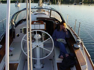 dsc00090susanboat.jpg