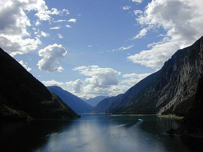 Click image for larger version  Name:Bute Inlet.jpg Views:79 Size:85.5 KB ID:43694
