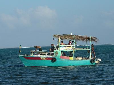 Click image for larger version  Name:belize boats 008.jpg Views:72 Size:170.9 KB ID:4618