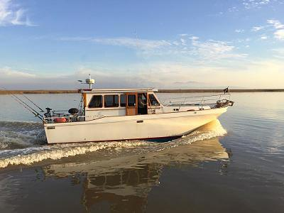 Click image for larger version  Name:Als boat sans fly.jpg Views:86 Size:121.0 KB ID:48172