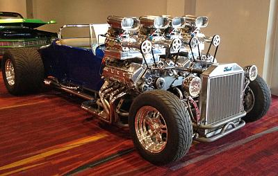 Click image for larger version  Name:SEMA-2013-twin-engine-t.jpg Views:75 Size:68.2 KB ID:52166