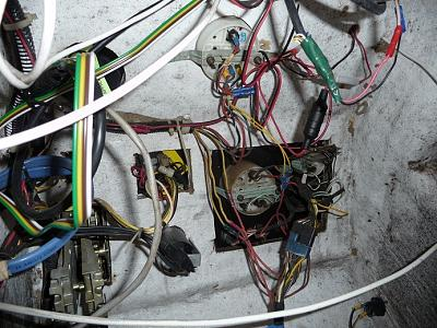 Click image for larger version  Name:electrics2.jpg Views:86 Size:158.7 KB ID:5455
