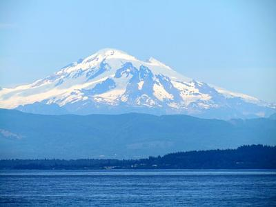 Click image for larger version  Name:MtBaker.jpg Views:152 Size:35.1 KB ID:55414