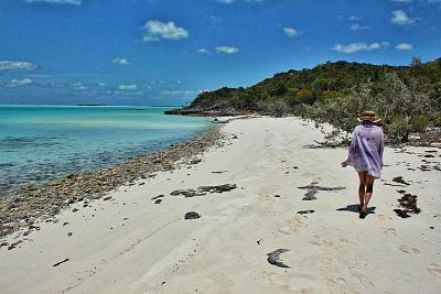 Click image for larger version  Name:Elaine On Hawksbill Beach copy.jpg Views:107 Size:139.7 KB ID:60704