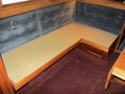 Click image for larger version  Name:LRC34 dinette closed.jpg Views:67 Size:76.5 KB ID:61776