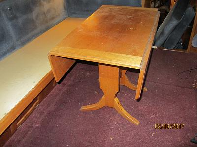 Click image for larger version  Name:LRC34 dinette table.jpg Views:88 Size:89.6 KB ID:61779