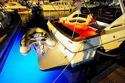 Click image for larger version  Name:hull lights.jpg Views:110 Size:135.1 KB ID:6253