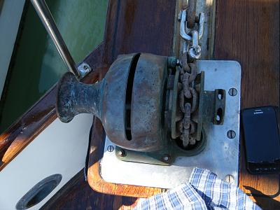 Click image for larger version  Name:_windlass1.jpg Views:1053 Size:120.2 KB ID:65687