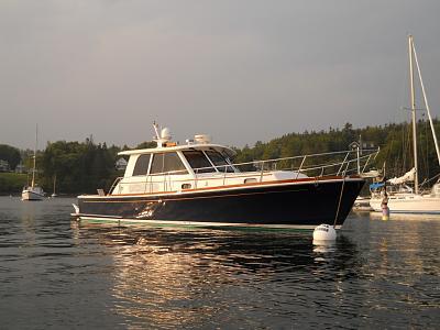 Click image for larger version  Name:friendboat.jpg Views:62 Size:163.4 KB ID:6661